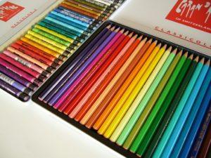 色鉛筆とクレヨン