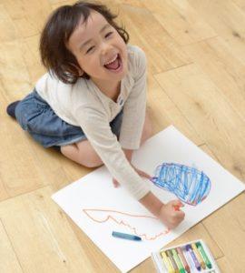 自由に描く子ども